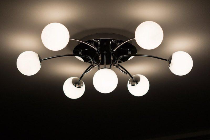 書斎照明に「天井照明」がNGな3つの理由
